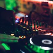 Jauniešu centrā top DJ studija